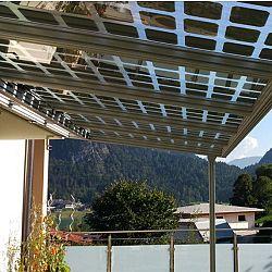 Almaden Fotovoltaický terasový prístrešok LEA